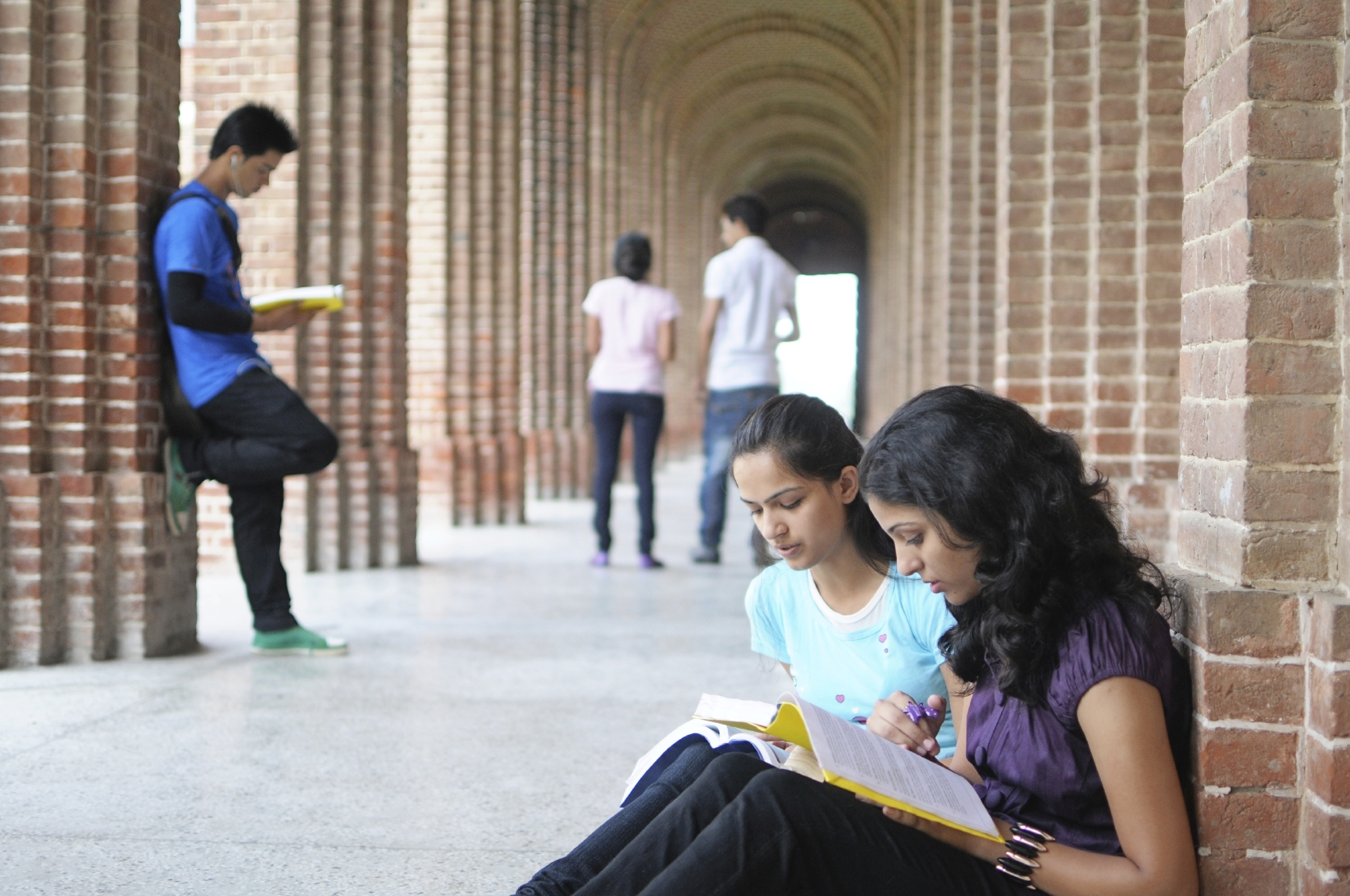 ways to destress in college Seniors neeha kadavakolanu, ajunee kohli, and keerthi krishnan share their ways in coping with rejections, ways to destress, and the overall environment of college.